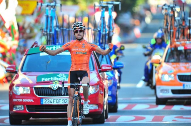 Igor Anton secures an impressive stage victory in front of huge crowds of fans. Photo Fotoreporter Sirotti.