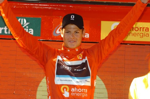 Jacob Fuglsang - the proud Vuelta leader on the podium in Benidorm. Photo Fotoreporter Sirotti.