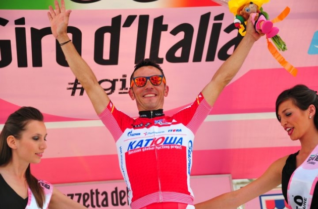Who said celebrating a stage win in the Giro had to be boring? Photo Fotoreporter Sirotti.