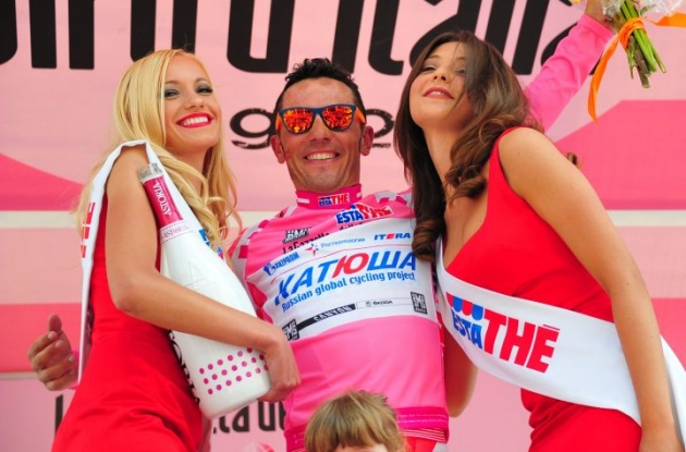 Joaqium Rodriguez takes overall Giro d'Italia lead from Team Garmin-Barracuda's Ryder Hesjedal. Photo Fotoreporter Sirotti.