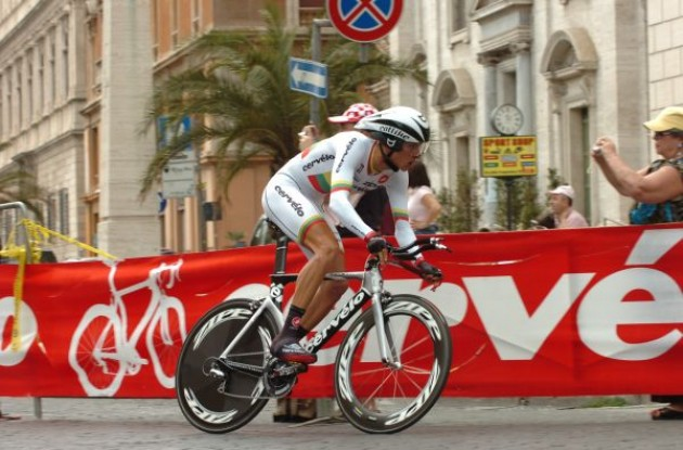 Konovalovas (Cervelo TestTeam) on his way to victory. Photo copyright Fotoreporter Sirotti.