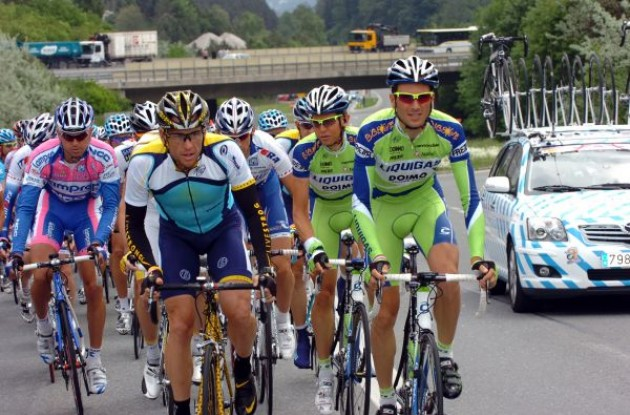 Lance Armstrong and Ivan Basso. Photo copyright Fotoreporter Sirotti.