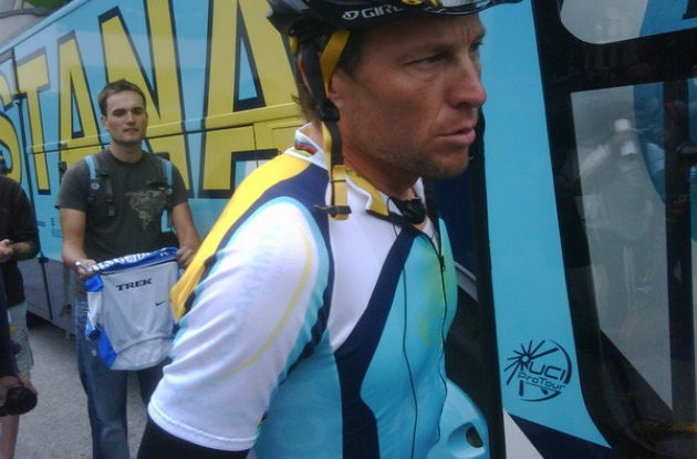 Lance Armstrong in his new team jersey (without logos of non-paying Team Astana sponsors) at the start of the Giro stage in Innsbruck. Photo copyright Philippe Maertens.