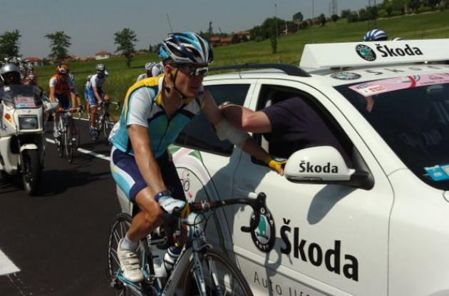 Levi Leipheimer (Team Astana / Team Faded)receives medical treatment after crashing. Photo copyright Fotoreporter Sirotti.