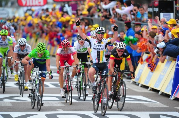 Mark Cavendish wins again! Photo copyright Fotoreporter Sirotti.