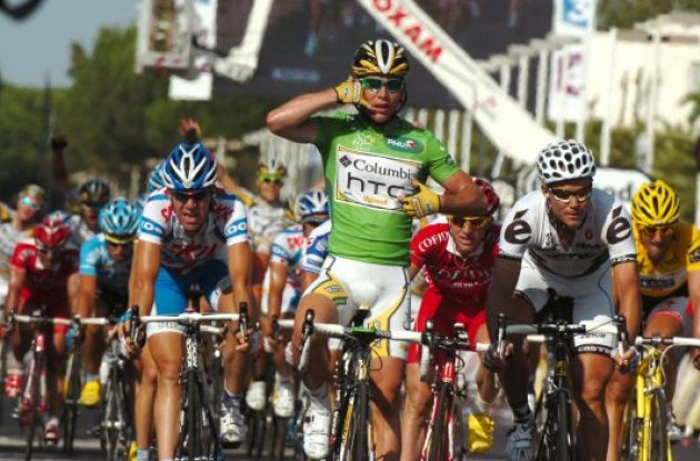 Mark Cavendish wins stage 3 of Tour de France 2009. Photo copyright Fotoreporter Sirotti.