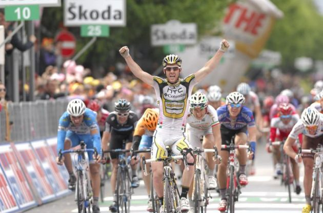 Matthew Goss (Team Columbia-HTC) wins stage 9 of the Giro d'Italia 2010. Photo copyright Fotoreporter Sirotti.