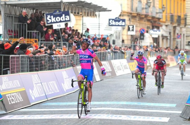 Michele Scarponi wins stage 4 of 2011 Tirreno-Adriatico. Photo Fotoreporter Sirotti.