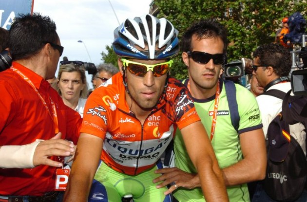 Vincenzo Nibali arrives. Photo copyright Fotoreporter Sirotti