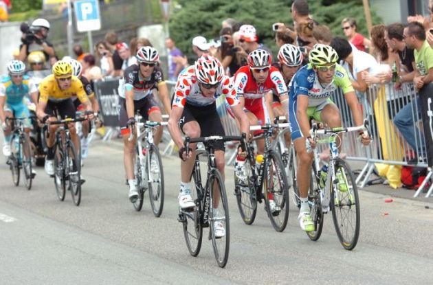 The Nibali, Froome, Wiggins, Menchov group chasing Evans. Photo Fotoreporter Sirotti.