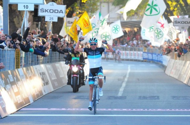 Oliver Zaugg wins Giro di Lombardia 2011 for Team Leopard-Trek. Photo Fotoreporter Sirotti.