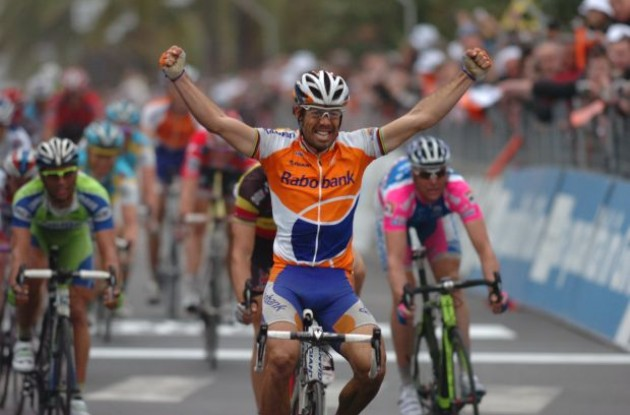 Oscar Freire wins the 2010 Milan-San Remo Spring classic. Photo copyright Fotoreporter Sirotti.