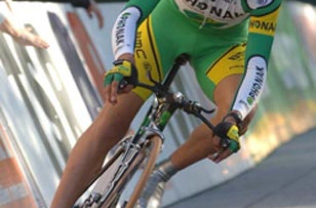 Oscar Pereiro (Phonak Hearing Systems). Photo copyright Roadcycling.com.