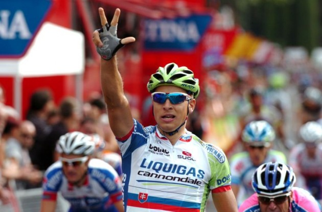 Peter Sagan takes the victory for Team Liquigas-Cannondale in the final stage of the Vuelta a Espana 2011. Photo Fotoreporter Sirotti.