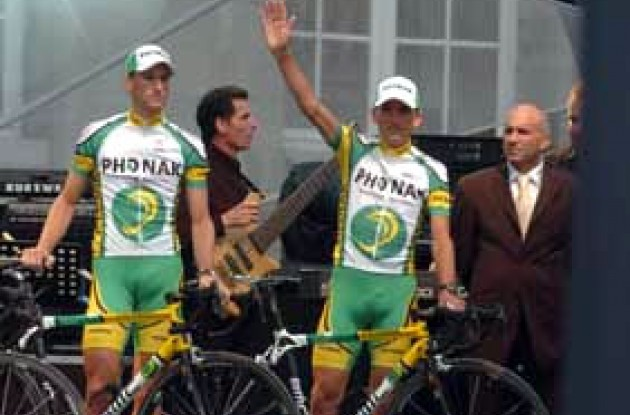 Tyler Hamilton (right). Will he win this year's Tour de France? Stay tuned to Roadcycling.com to find out!