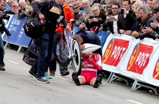 Denmark's Rasmus Christian Quaade exhausted after crossing the finish line in Copenhagen. Photo Fotoreporter Sirotti.