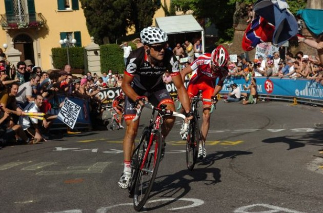 Simon Gerrans (Cervelo TestTeam) suffers on the final 16% climb. Photo copyright Fotoreporter Sirotti.