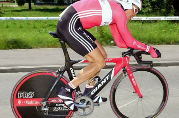 Ullrich proves that he is ready for the Tour de France - at least for the time trials. Photo copyright Fotoreporter Sirotti.