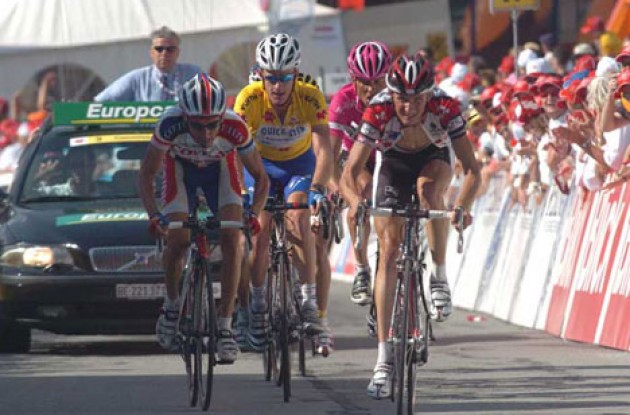 Schleck, Rogers, Ullrich, aim for the line. Photo copyright Fotoreporter Sirotti.