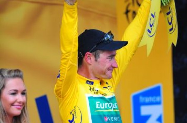 Thomas Voeckler of Team Europcar still leads the Tour de France 2011 overall.