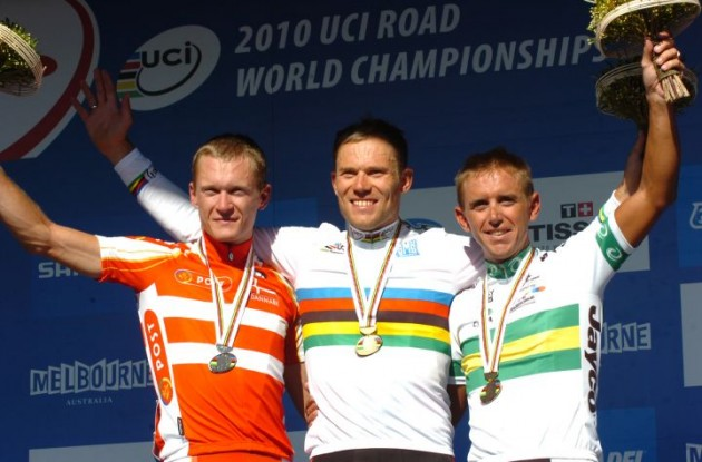 Top 3 on the podium in Geelong. Thor Hushovd (Norway), Matti Breschel (Denmark), and Allan Davis (Australia).