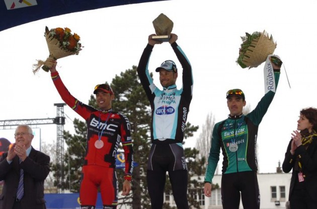 Tom Boonen, Alessandro Ballan and Sebastian Turgot on the podium in Roubaix. Photo Fotoreporter Sirotti.
