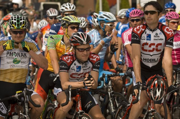 Top 3 at the start: Landis, Zabriskie, and Julich. Photo copyright Roadcycling.com.