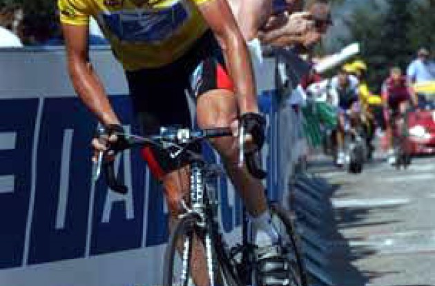 Lance Armstrong was unable to follow challengers Sastre, Ullrich and Zubeldia up the final climb today. Will he still be in yellow after tomorrow's stage? Stay tuned to Roadcycling.com to find out. Photo copyright Fotoreporter Sirotti.