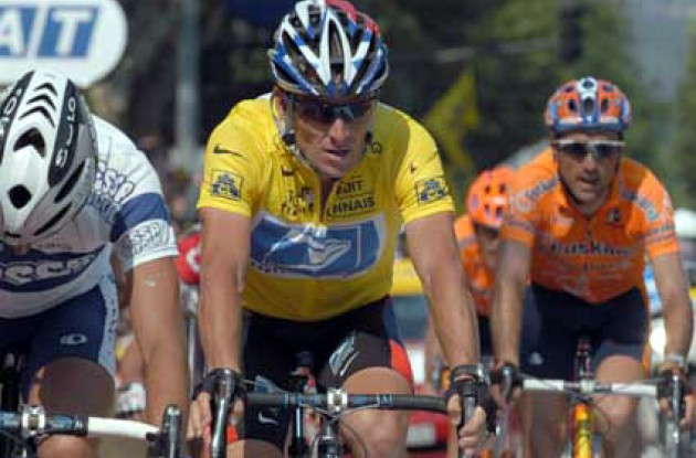 Armstrong was involved in a crash that forced rival Joseba Beloki to exit the Tour. Armstrong was able to maintain the overall lead, but does not appear nearly as strong as in the past four years. Will he keep the yellow jersey all the way to Paris? Stay tuned to Roadcycling.com to find out. Photo copyright Fotoreporter Sirotti.