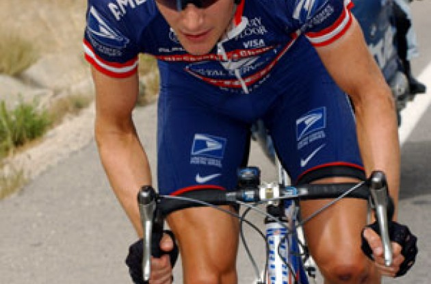 ...and Zabriskie is on the move... Photo copyright Unipublic.