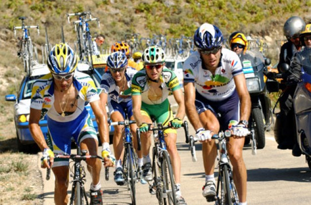 Valjavec and co. eight minutes ahead of the peloton. Photo copyright Unipublic.