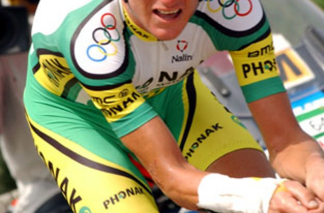 Olympic time trial champion Tyler Hamilton on his way to victory in Spain. Photo copyright Unipublic.