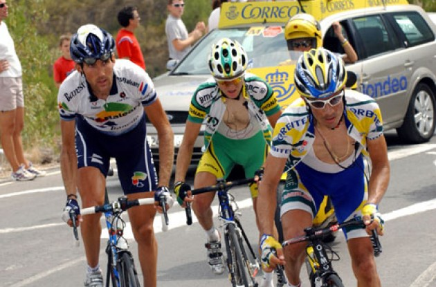 The early breakaway group was caught before the finish line. Photo copyright Unipublic.