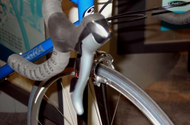 Ultegra shifter. Photo copyright Roadcycling.com.