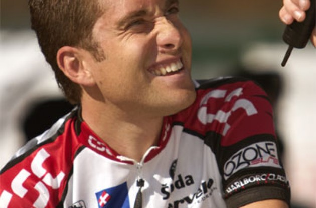 Christian Vande Velde enjoys the sun. Photo copyright Ben Ross/Roadcycling.com.