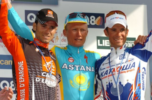 Vinokourov, Kolobnev and Valverde on the podium. Photo copyright Fotoreporter Sirotti.
